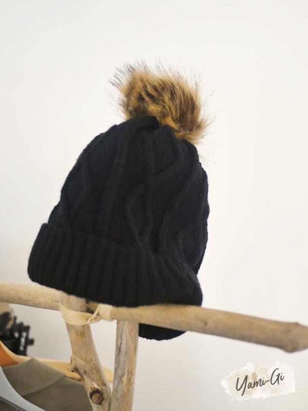Bonnet BLOOM noir Yami-Gi vêtement boutique sud Vaucluse Avignon Luberon Provence Homme Femme vêtement création française italienne Lin chemise lin pantalon Casual et Intemporel mode vêtement Provence Casual Style Femme Chic Boheme tendance Fashion femme Carpentras Vaucluse Région Paca mode